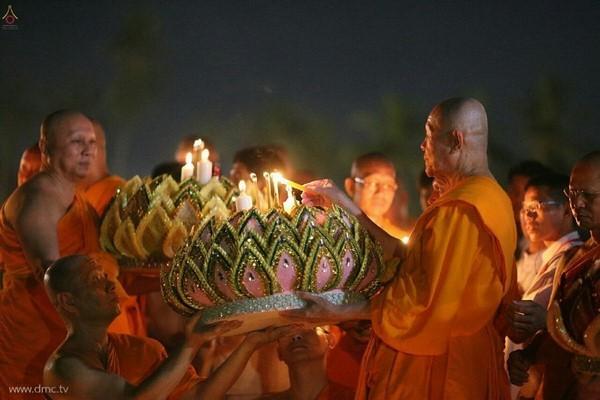 thai-lan-tuong-niem-to-su-phramongkolthepmuni6